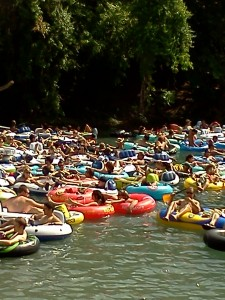 Come one, Comal – Tubing in New Braunfels, Texas